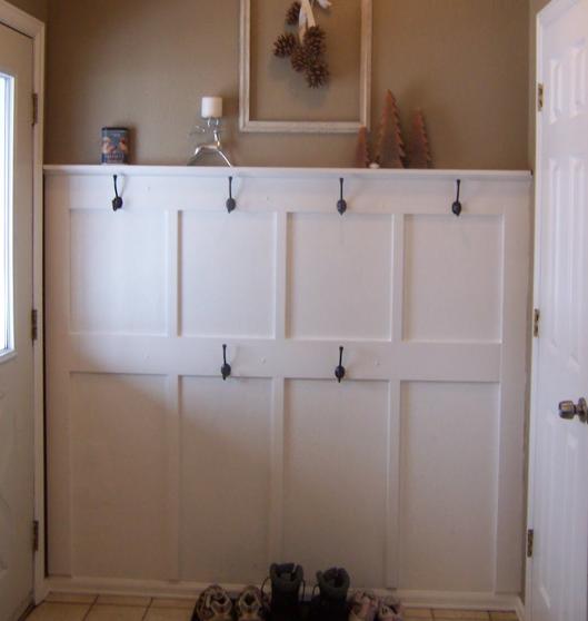 Master bedroom board and batten sneak peek pink polka dot for Frugal home designs
